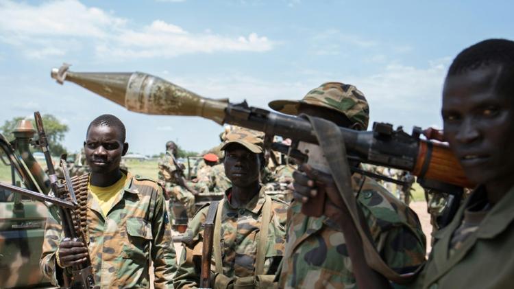 قوات حكومية بالقرب من الولي في جنوب السودان في 16 تشرين الاول/اكتوبر 2015