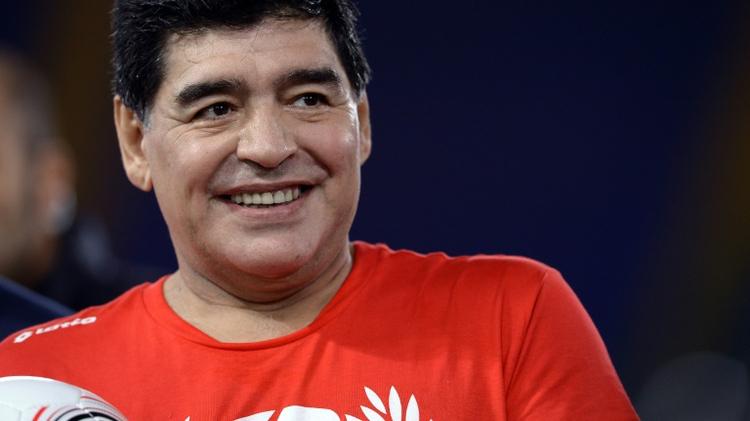 اسطورة كرة القدم الارجنتيني دييغو مارادونا في مباراة خيرية في الملعب الاولمبي في روما، 12 ت1/نوفمبر 2016