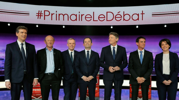 The 7 candidates for the PS primary from G to D: Arnaud Montebourg, Jean-Luc Bennahmias, Francois de Rugy, Benoît Hamon, Vincent Peillon, Manuel Valls and Sylvia Pinel, in La-Plaine Saint-Denis, on 12 January 2017.