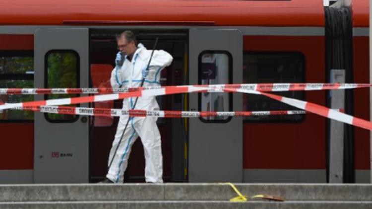 Un expert médico-légal à Grafing dans le sud de l'Allemagne, le 10 mai 2016