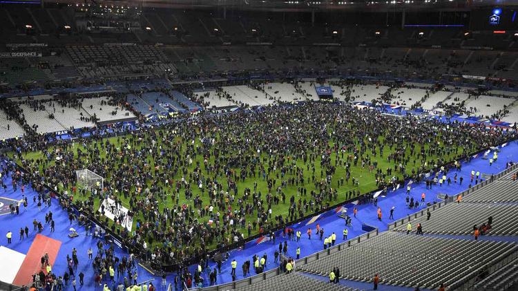 La foule a envahi le Stade de France après France-Allemagne le 12 novembre 2015