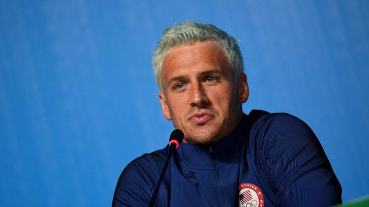 """Le nageur Ryan Lochte n'a pas fini de payer les conséquences de sa """"fausse dénonciation de crime"""" aux JO de Rio"""