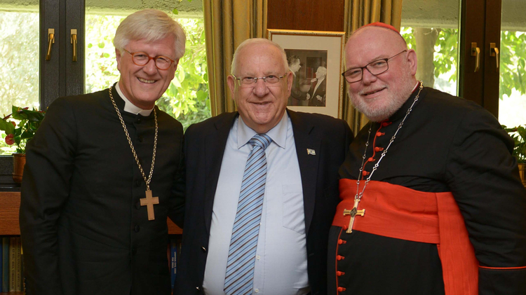 Reuven Rivlin with Bishop Dr. Heinrich Bedford-Strohm and Reinhard Kardinal Marx