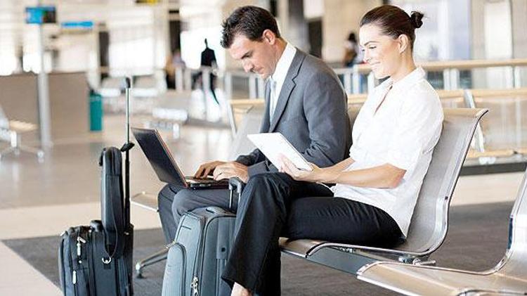 شبكة واي فاي في المطارات