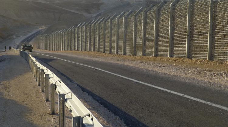 Barrière de sécurité à la frontière israélo-égyptienne