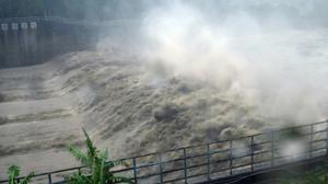 Typhoon Megi leaves trail of damage in Taiwan
