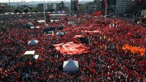 Thousands of Turks mass to condemn coup attempt