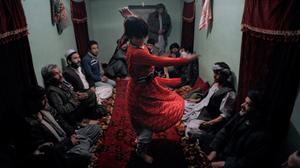 في أفغانستان يفضلون الغلمان على الفتيات