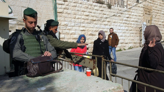 Hebron: Palestinian assailant attempts to stab Israeli soldier, is shot dead