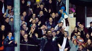 Resisting pressure, NFL players greet fans on trip to Israel