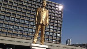 Artist behind Golden Netanyahu statue says work was 'test of free speech'