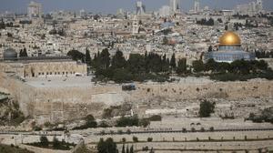 بلدية القدس تسعى لهدم منازل فلسطينيين ردا على قرار بإخلاء بؤرة استيطانية عشوائية