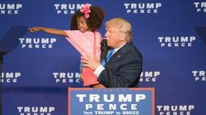 Clinton, Trump go all-in with last debate in Vegas