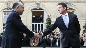 Passation de pouvoirs à Matignon, Bernard Cazeneuve succède à Manuel Valls