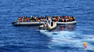 'Number of migrants crossing Med to Europe in 2016 passes 300,000'