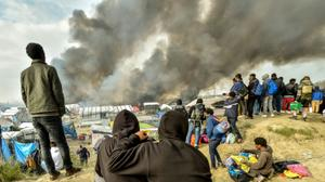 Last child refugees to be evacuated from Calais 'Jungle' camp