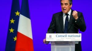 """France: Fillon, officiellement investi, appelle son parti à la """"discipline"""""""