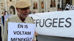 Hungarian Jews compare government's anti-migrant campaign to 'Nazi propaganda'