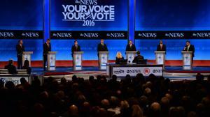 Trump, Republican rivals lock horns in key debate
