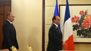 """Les préparatifs de la visite de Poutine à Paris """"continuent"""" (Kremlin)"""