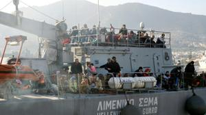 EU pushes Greece to improve conditions for migrants