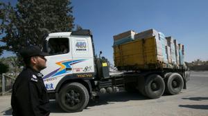 اسرائيل تسمح مجددا بادخال الطرود البريدية الى قطاع غزة