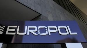 Europol : l'EI pourrait avoir recours à des voitures piégées en Europe