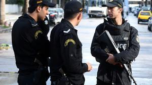 """السلطات التونسية توقف """"موظفا"""" كان يسرب معلومات امنية لمتشددين"""