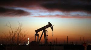 إيران تستأنف صادراتها النفطية لأوروبا بأربعة ملايين برميل