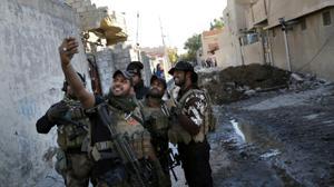 العبادي يؤكد استمرار تقدم الجيش العراقي في الموصل ويدعوه لإسراع حسم المعركة