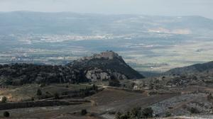 Israel strikes target in Syria after mortar shell lands in Golan Heights