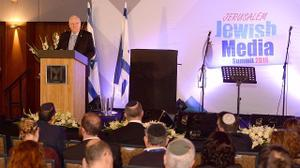 Jewish journalists must 'stand up' in fight against anti-Semitism, Rivlin says