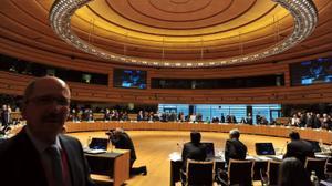 Les ministres de l'UE soutiennent l'initiative de paix française