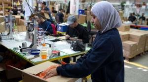 Israeli military plans to allow 30,000 extra Palestinians to work in Israel