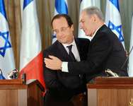 Israel's Prime Minister Benjamin Netanyahu (R) speaks during a joint news conference with French President Francois Hollande (L) in Jerusalem November 17, 2013 ( REUTERS/ Lior Mizrahi/Pool )