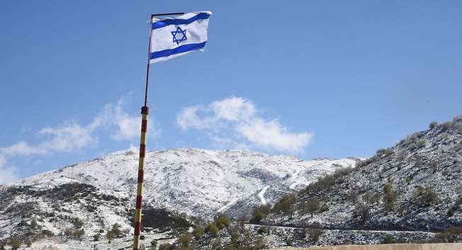 Snow in April, Israel, 2015 ( Avihu Shapira/Ynet )