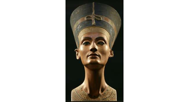 Archaeologists have never discovered the mummy of Nefertiti, a legendary beauty who played a major political and religious role in the 14th century BC ( Michael Sohn (Pool/AFP/File) )
