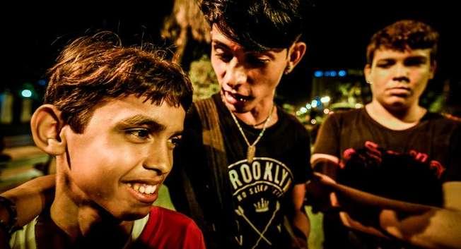 """Des cubains qui se sont baptisés """"Freaks"""" dans un parc de La Havane, le 28 septembre 2014 ( Adalberto Roque (AFP) )"""