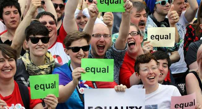Supporters of same-sex marriage wait for the result of the referendum at Dublin Castle on May 23, 2015 in Dublin ( Paul Faith (AFP) )