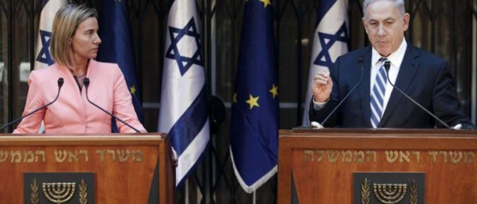 Prime Minister Benjamin Netanyahu and European Union foreign policy chief Federica Mogherini speak to the media on May 20, 2015 (AFP/POOL/DAN BALILTY)