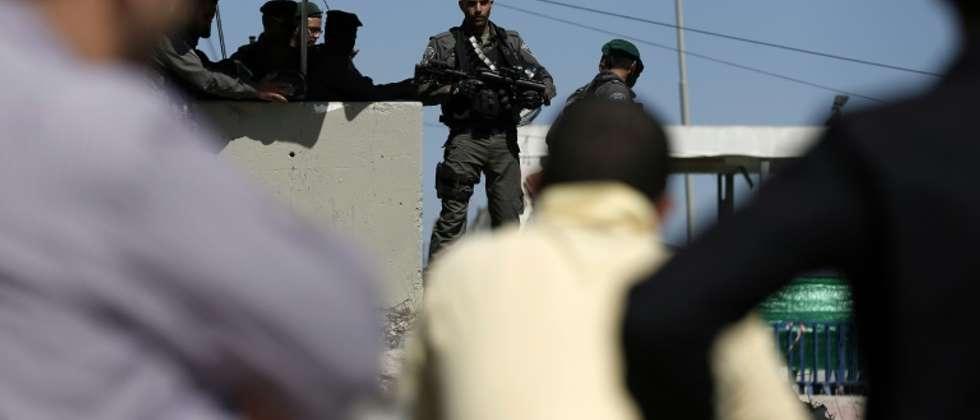 Un policier israélien au barrage de Qalandia(sud de Ramallah), le 3 juillet 2015 (Thomas Coex (AFP/Archives))