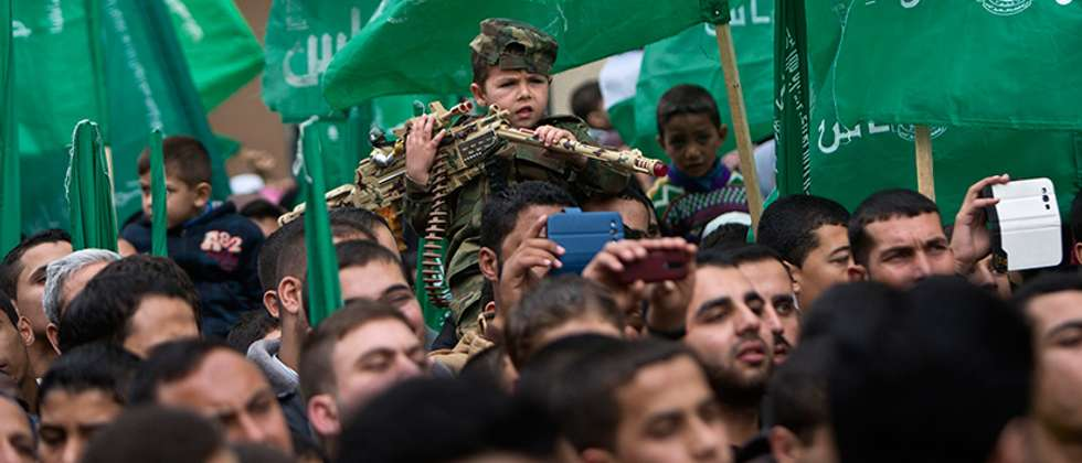 Many children took part in Hamas' rally (AFP/Mahmud Hams)