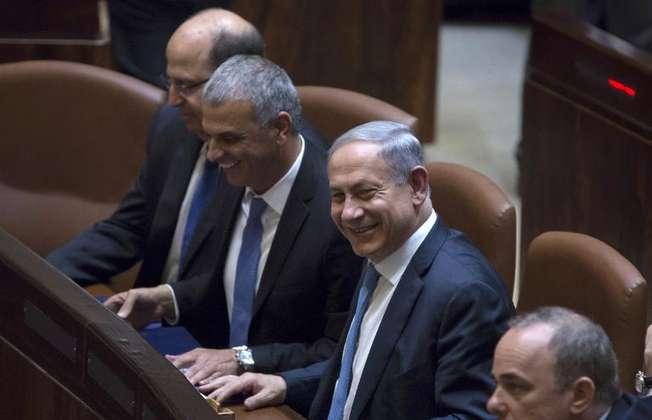 Le Premier ministre israélien Benjamin Netanyahu lors du vote de confiance de la Knesset le 14 mai 2015 à Jérusalem (JIM HOLLANDER (POOL/AFP))