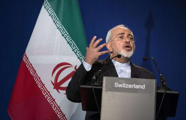 A picture taken on April 2, 2015 shows Iranian Foreign Minister Javad Zarif at a press conference in Lausanne (Brendan Smialowski (Pool/AFP/File))