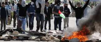 Palestinians rioting in Jenin (AFP)
