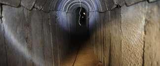 Un tunnel supposément creusé par des Palestiniens sous la frontière entre la bande de Gaza et Israël, mis à jour par les troupes israéliennes, le 13 octobre 2013 (David Buimovitch (AFP/Archives))
