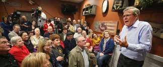 Former Florida governor Jeb Bush speaks to Iowa residents at a Pizza Ranch restaurant on March 7, 2015 in Cedar Rapids, Iowa (Scott Olson (Getty/AFP/File))