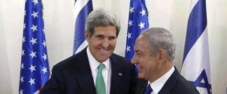 Secretary of State John Kerry and Israeli PM Benjamin Netanyahu in Jerusalem, Sept. 2013 (AFP/Larry Downing)
