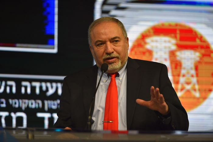 Terror plot to assassinate Israeli defense minister thwarted