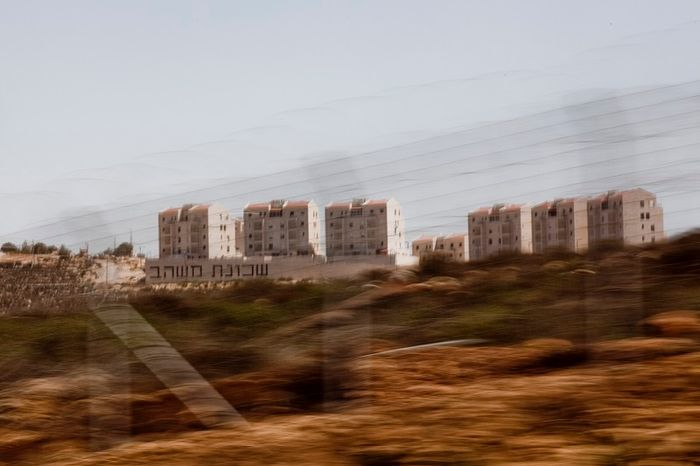 Israelis, Palestinians segregated on new highway